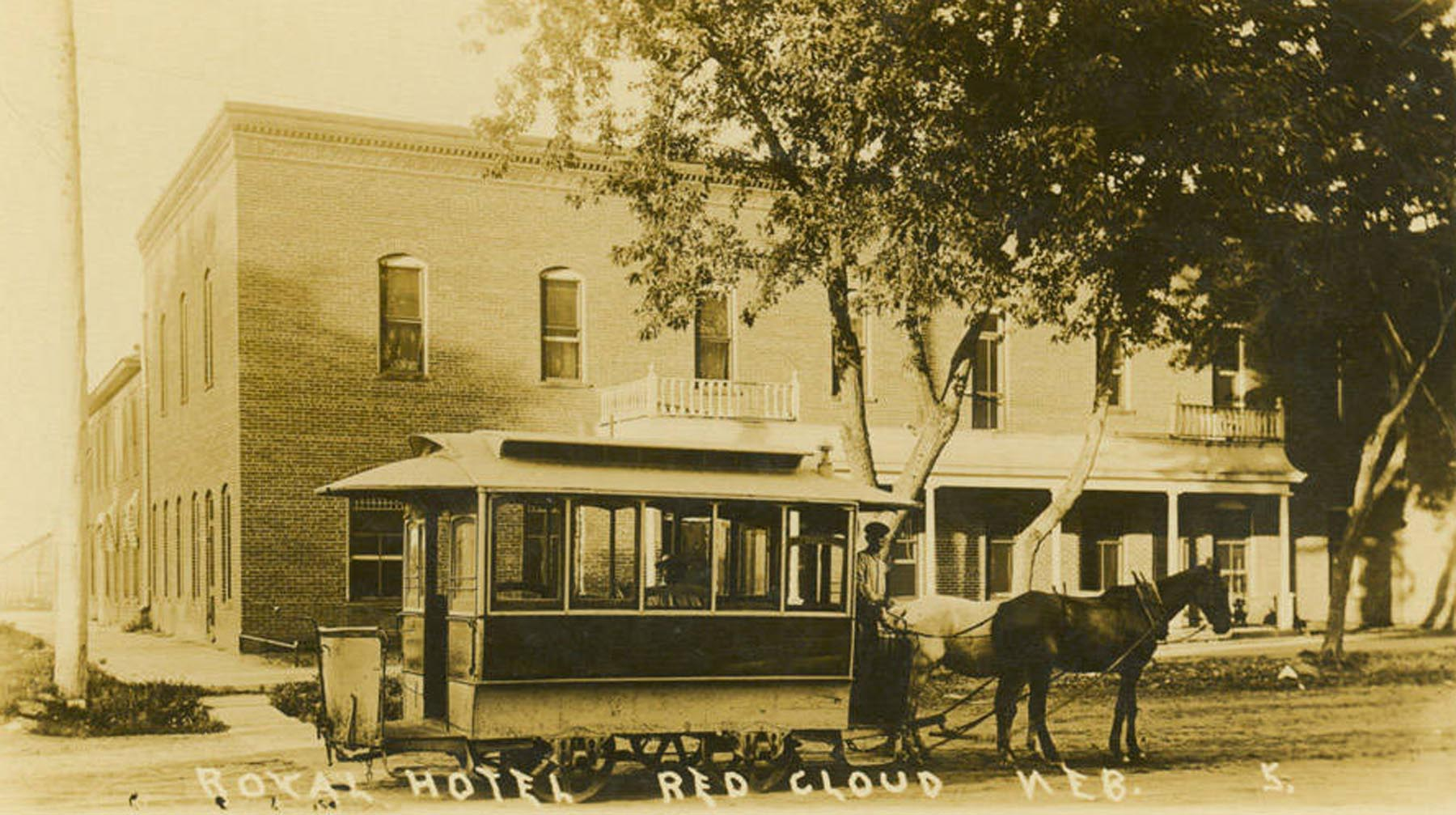 Streetcar in front of Royal Hotel